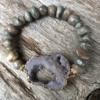 Bracelet with grey agate beads and grey druzy quartz stone – Jacey