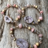 Bracelet with pink agate beads and lilac druzy quartz stone – Jae P