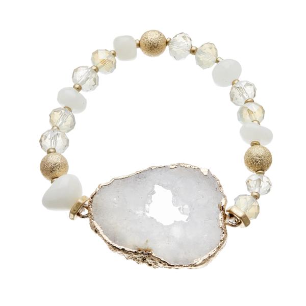 Bracelet with white agate beads and white druzy quartz stone - Jae W